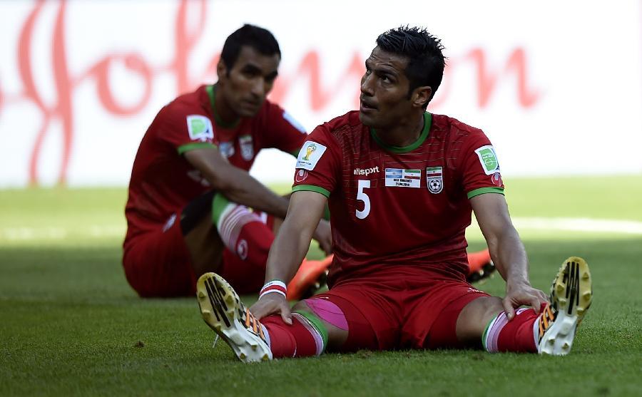 (世界杯)(1)足球--小组赛F组:伊朗队不敌阿根廷
