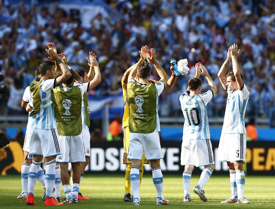 世界杯 5 足球 小组赛F组 阿根廷队胜伊朗队 图