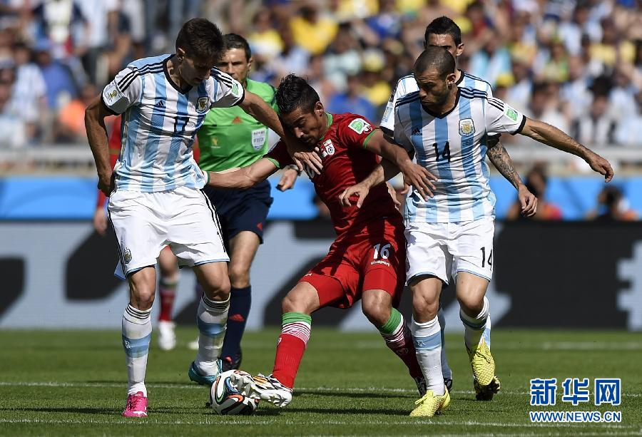 6月21日,伊朗队首发阵容。 当日,在巴西贝洛奥里藏特米内罗大球场进行的2014年巴西世界杯小组赛F组比赛中,阿根廷队对阵伊朗队。新华社记者刘彬摄