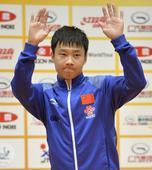 图文:日本乒乓球公开赛 于子洋腼腆
