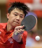 图文:日本乒乓球公开赛 小将于子洋击球