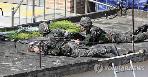 韩国军方正在围捕枪击肇事士兵