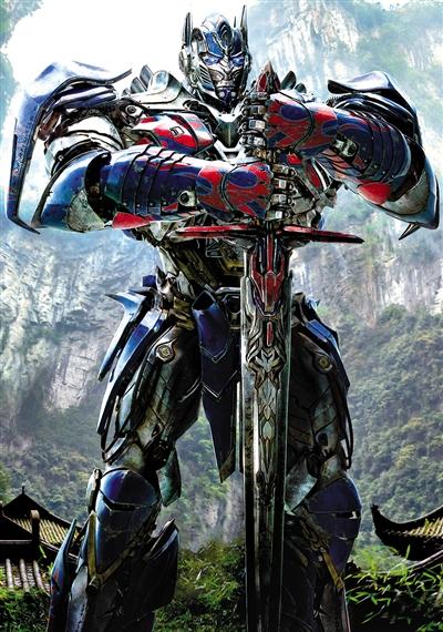 《变形金刚4》中的中国元素非常突出,钢铁机器人站在中国山水中别