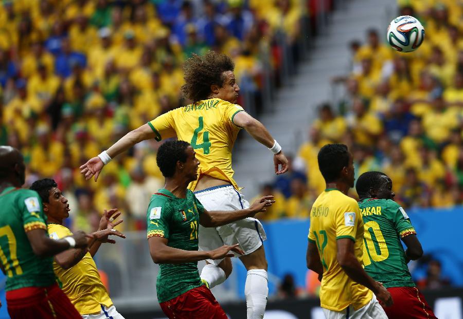 (世界杯)(12)足球--小组赛A组:巴西队对阵喀麦隆