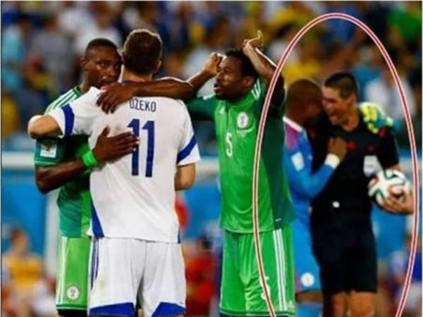 -波黑0-1尼日利亚被淘汰出局,终场哨响后,当值