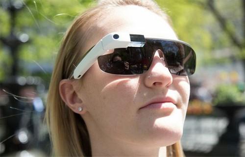 谷歌眼镜登陆英国市场(图片来自Mashable)