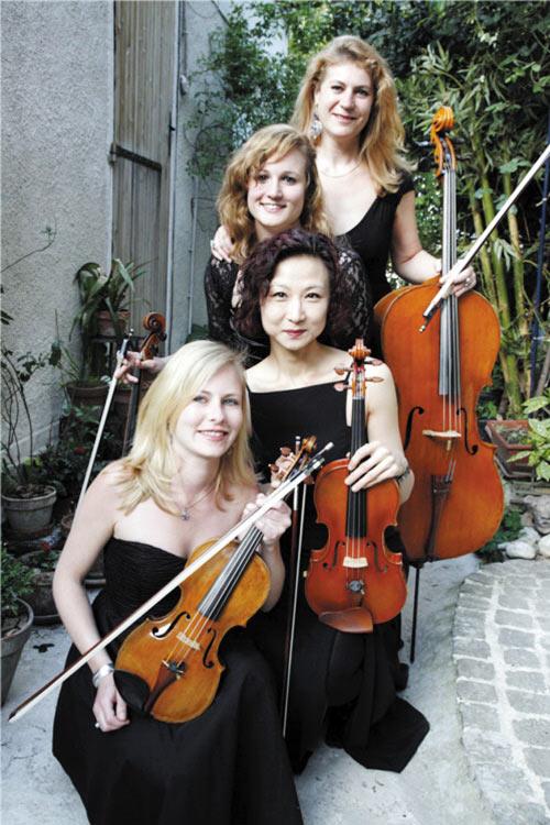 法国欧亚之声弦乐四重奏是由著名旅法小提琴家张锦辉女士在巴黎组建的
