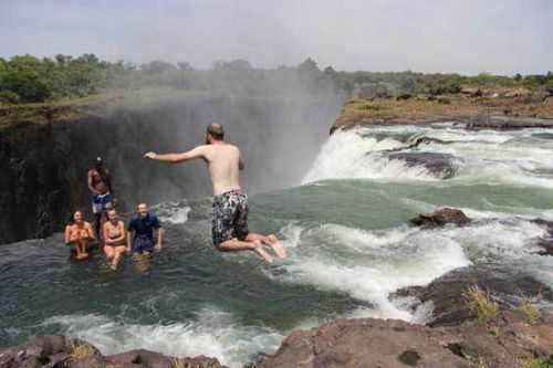 1、赞比亚,维多利亚瀑布—魔鬼游泳池Devil