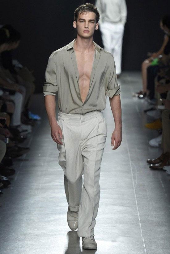 Bottega Veneta2015春夏男装秀 发箍男欲脱还休