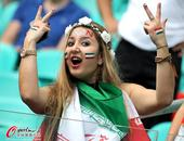 """高清图:伊朗猛女看台""""犯二"""" 波斯美女迷人笑"""