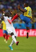高清图:法国队平厄瓜多尔队 萨尼亚遇惊魂一刻