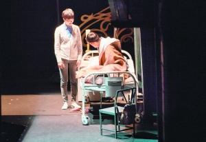 """""""古镇嘉年华""""活动是乌镇戏剧节的重要组成。"""