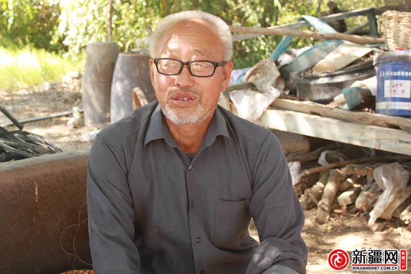 乌苏:党龄半百近花甲 老党员崔俊峰57年前的入党仪式