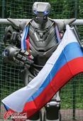 高清图:高科技!俄罗斯机器人踢足球力挺母队