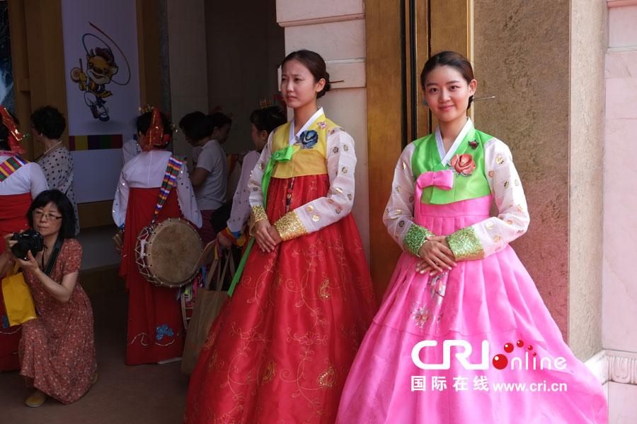 延边朝鲜族自治州成就展--现场的服装秀(高清