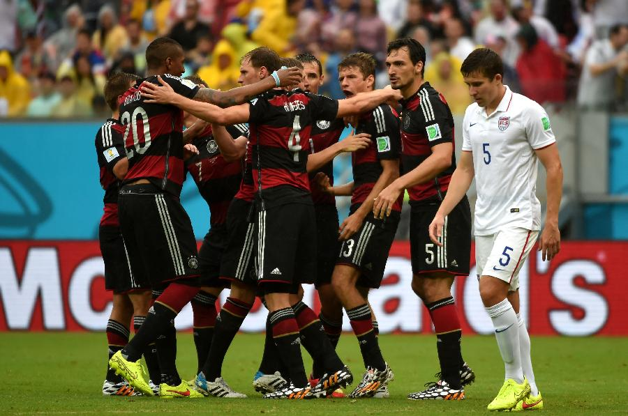 2014年6月26日 (世界杯·进球时刻)(4)足球—穆勒为德国队攻图片