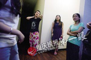 居住在群租房里的大学生讲诉事发时的惊魂一幕