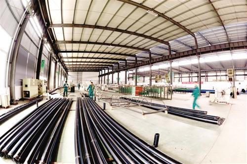 地板行业目前产品同质化现象严重,竞争激烈