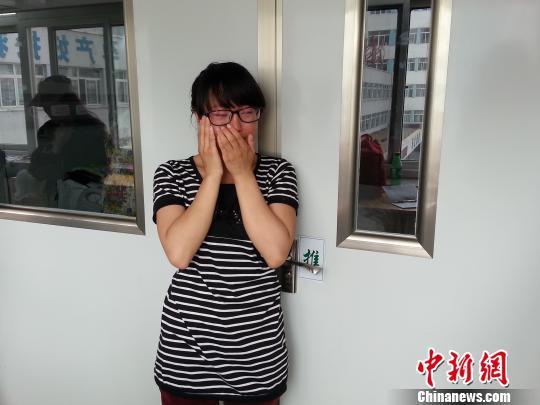 族蒙古族自治县卉原中学高三毕业生霍然却忙着在医院照顾重度昏迷的