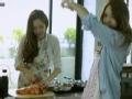 《Jessica&Krystal片花》舌尖上的郑氏姐妹之西卡独家辣白菜炒饭