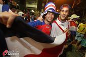 高清图:哥斯达黎加抵累西菲 狂热球迷夹道欢迎
