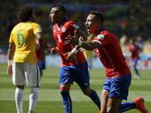 进球回放:巴西后场失误 巴萨飞翼助智利队扳平