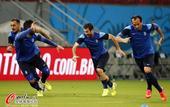 高清图:希腊队备战淘汰赛 卖力训练欲续写神话