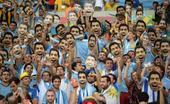 高清图:你是我的大苏牙 乌拉圭球迷自黑玩苏神