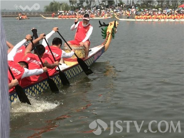 阜宁金沙湖龙舟赛 为夏季旅游造势(组图)-中国