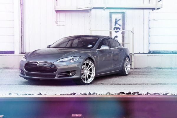 梦幻电动跑车Tesla怡情之改图片