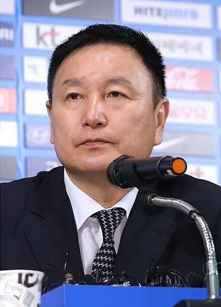 许丁茂宣布洪明甫将留任至2015年
