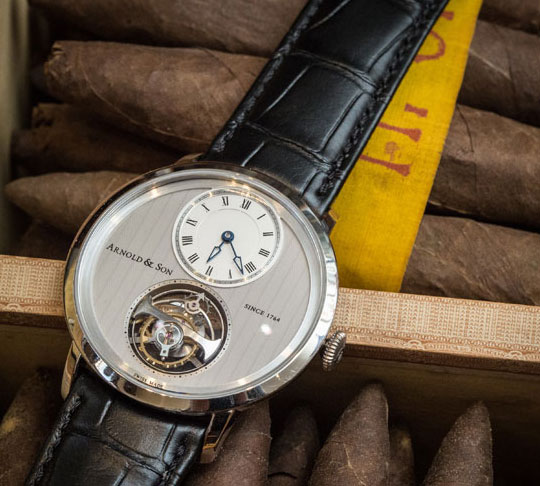 Arnold&Son 亚诺表超薄陀飞轮 x Romeo & Julieta Vintage Cigar Coffin雪茄