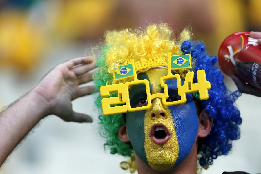 (世界杯)(22)足球--球迷期待南美对决(图)-中国学