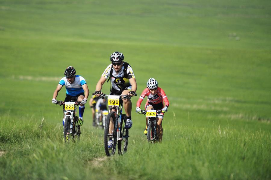 (体育)(5)自行车——2014年铁木真国际草原山地车挑战
