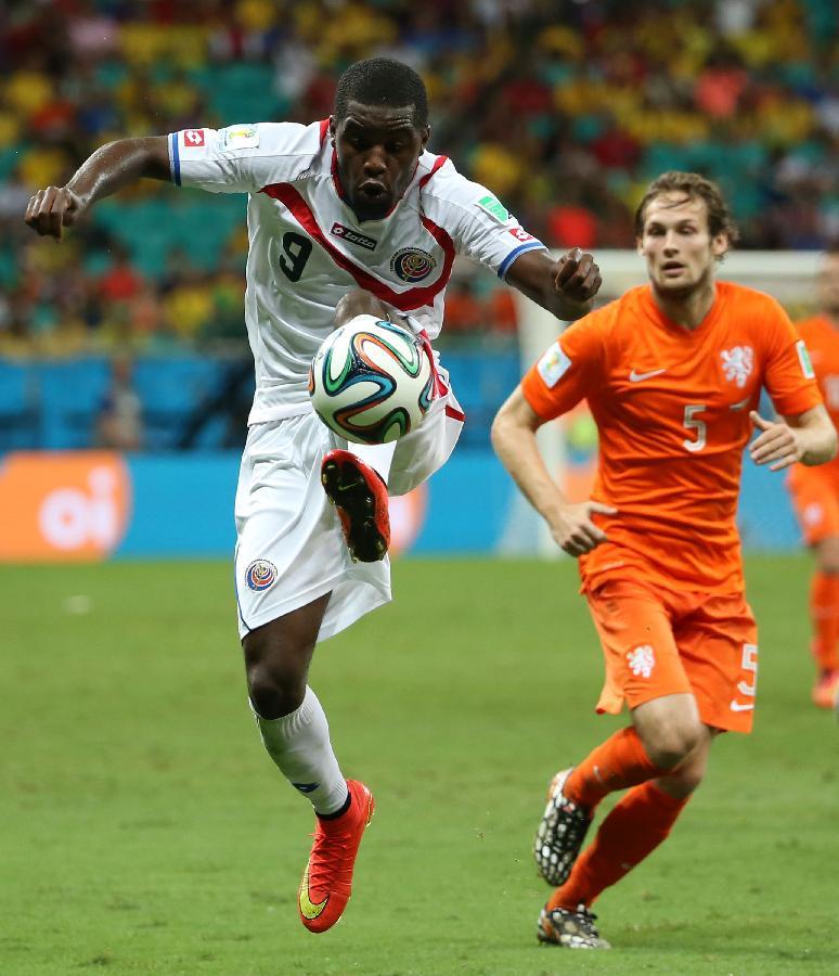 历届世界杯足球名字_(世界杯)(114)足球——荷兰队对阵哥斯达黎加队(图)-搜狐滚动