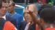 罗本场下指挥成教练 范加尔面无表情洗耳听