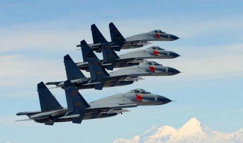 资料图:中国空军歼11战斗机编队.图片