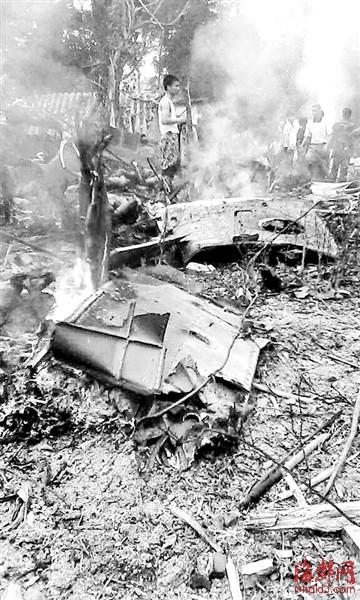 越南直升机坠毁 载有10名特工 图