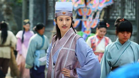 《欢喜县令》正在热拍 邬靖靖玩转女扮男装