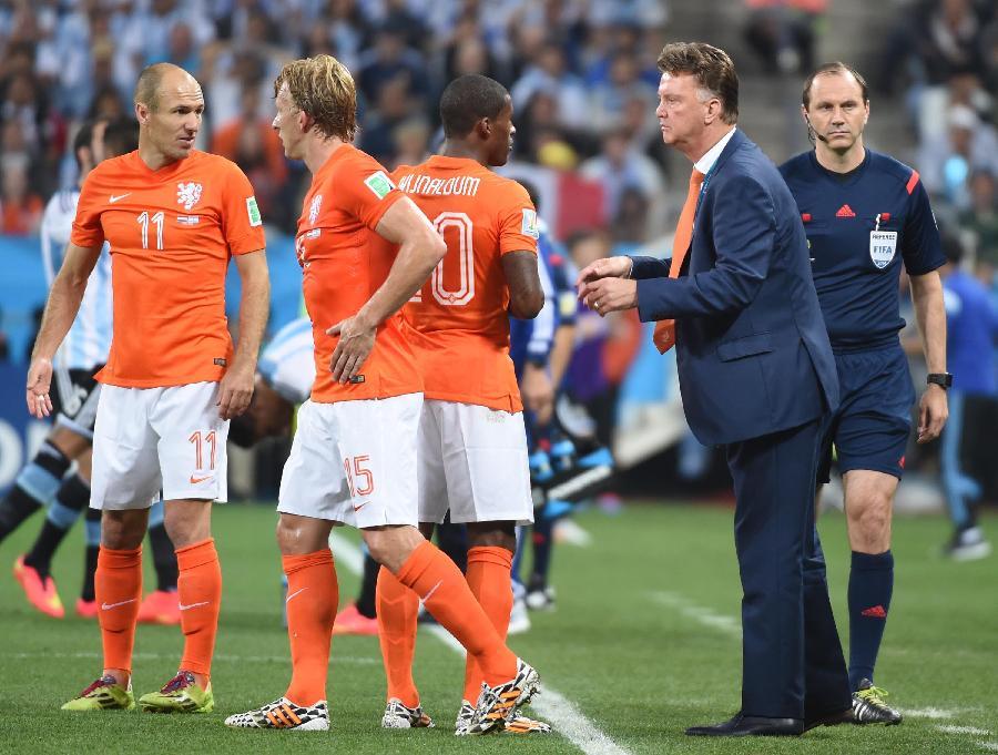 荷兰队内讧_(世界杯)(42)足球——半决赛:荷兰队对阵阿根廷队(图)