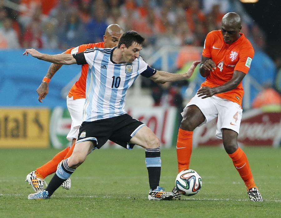 世界杯荷兰对阿根廷_巴西VS德国荷兰VS阿根廷世界杯上演最奢华半