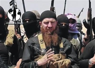 晋升为极端组织ISIS军事总指挥官的28岁车臣战士希沙尼露面。