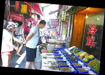 青岛3大小吃街pk:劈柴院主打海鲜 台东花样多(组图)