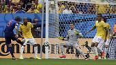 进球回放:巴西禁区内漏人 布林德抽射再下一城