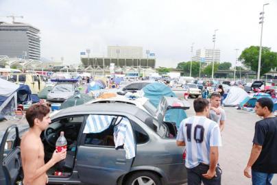 十万阿根廷人进巴西:你的地盘我做主