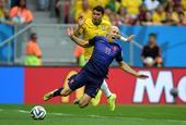 高清图:三四名决赛巴西战荷兰 范佩西点球破门