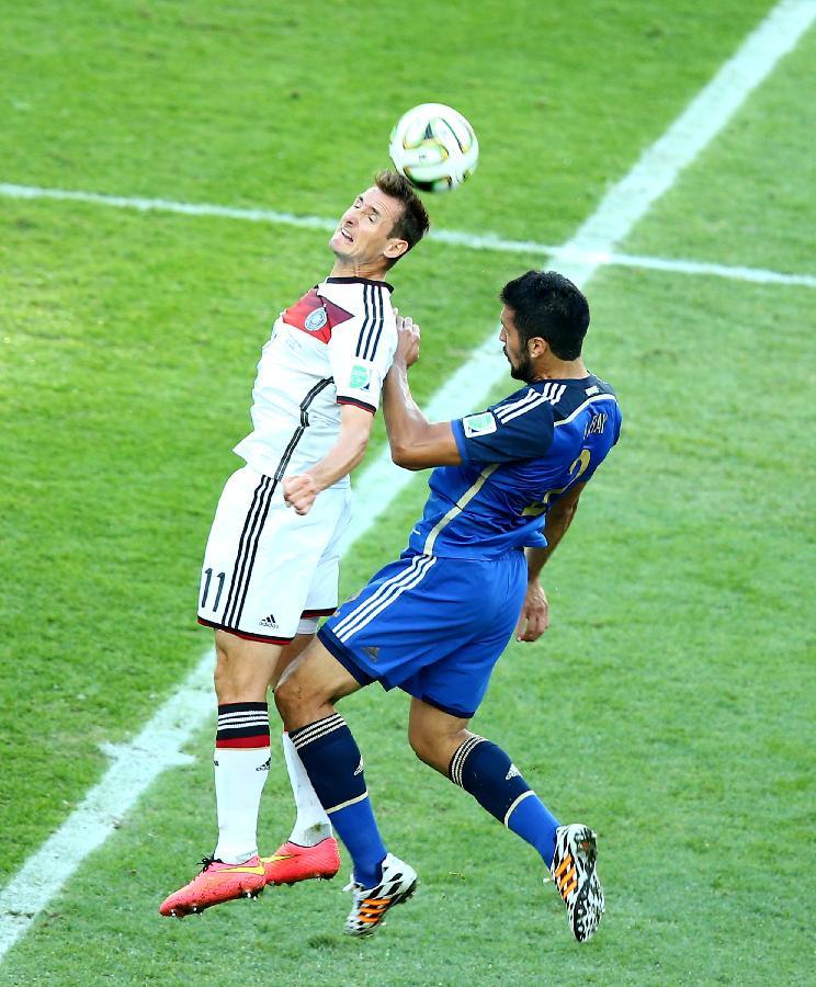 10年德国对阿根廷_(世界杯)足球——德国队对阵阿根廷队(图)-搜狐滚动