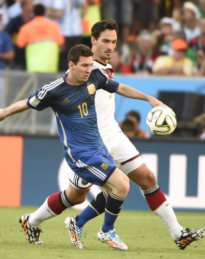2014世界杯大名单_(世界杯)足球——德国队与阿根廷队争夺冠军(图)-搜狐滚动
