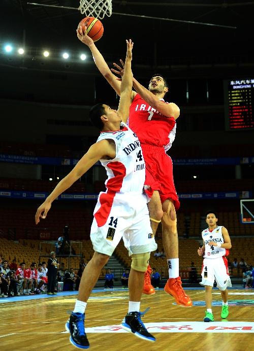 中国男篮vs伊朗男篮_图文:男篮亚洲杯伊朗胜印尼 赞杰内赫上篮得分