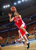 图文:男篮亚洲杯伊朗胜印尼 维西在比赛中上篮